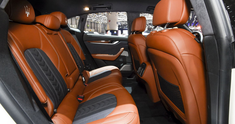 2017-Maserati-Levante-Interior-5-1600x1065.jpg