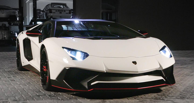 LamborghiniAventadorSV (2).jpg