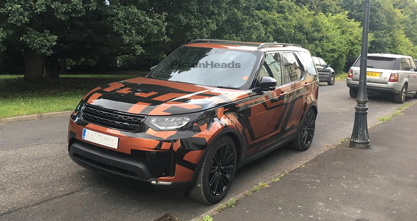 2017-Land-Rover-Discovery-front-three-quarters-spy-shot.jpg
