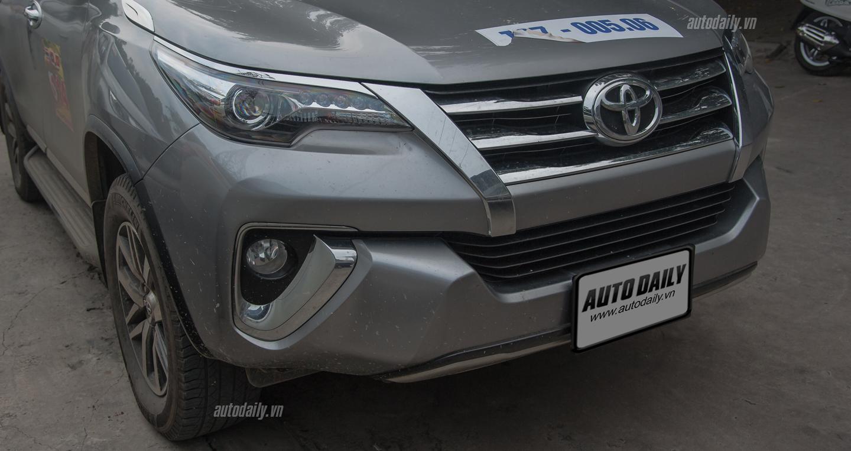 Cận cảnh Toyota Fortuner 2016 vừa xuất hiện trên đường phố Hà Nội 3