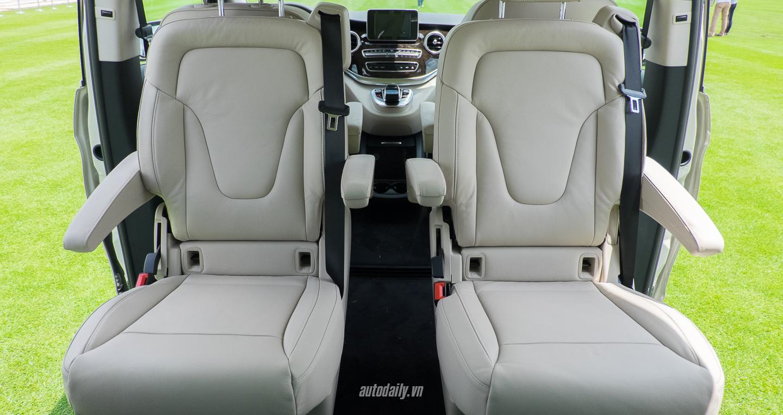 Mercedes-Benz_V250 (24).jpg