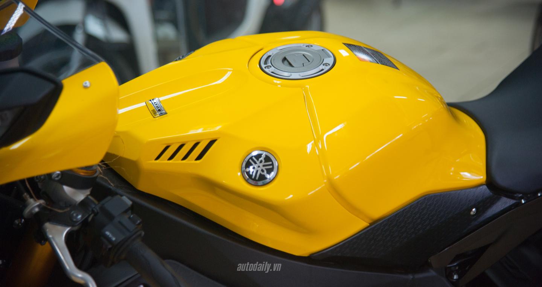 Yamaha YZF-R1 bản kỉ niệm 60 năm đã có mặt tại Hà Nội với bản màu vàng(11).jpg