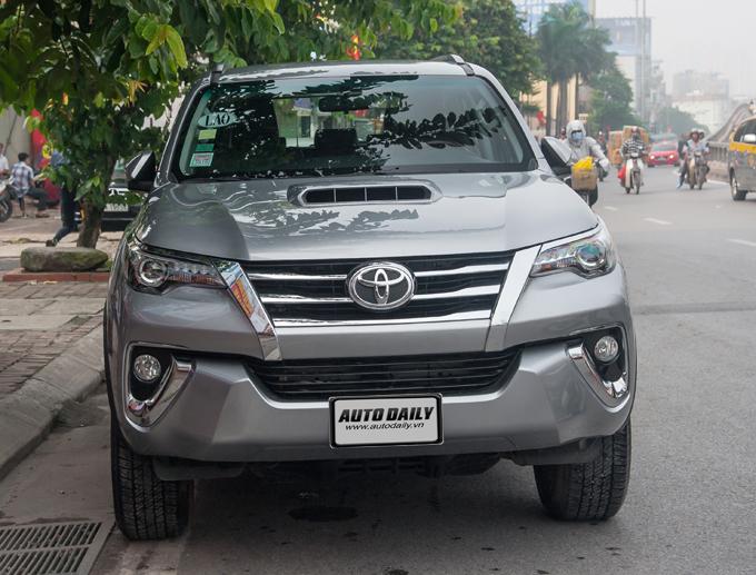 Bắt gặp Toyota Fortuner 2016 trên phố phiên bản được đưa về thị trường Việt 2