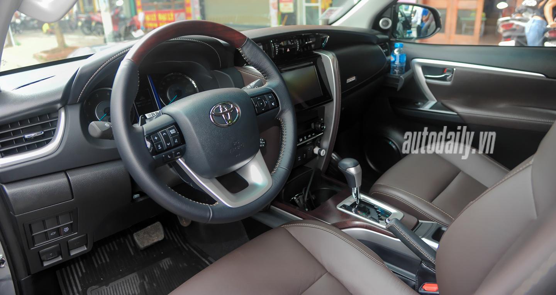 Bắt gặp Toyota Fortuner 2016 trên phố phiên bản được đưa về thị trường Việt 4