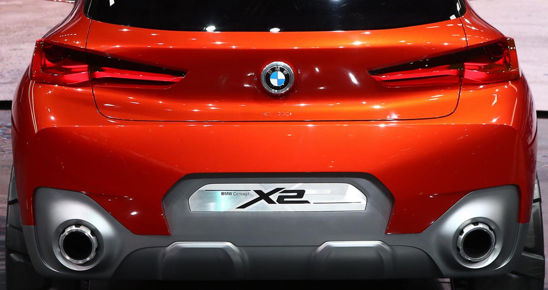 BMW X2 dạng concept được giới thiệu ở triển lãm ô tô Paris 2016 5