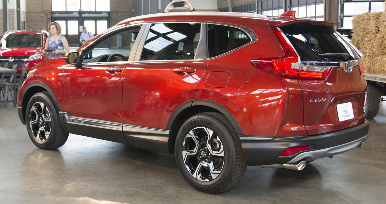 Đánh giá thiết kế ngoại thất xe Honda CR-V 2017 mẫu mới ra mắt