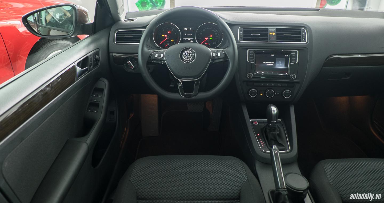 Volkswagen_Jetta (10).jpg