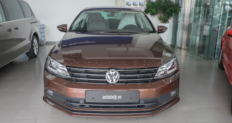 Volkswagen_Jetta (18).jpg
