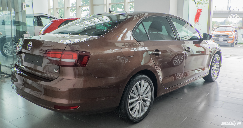 Volkswagen_Jetta (22).jpg