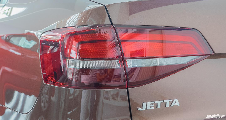 Volkswagen_Jetta (23).jpg