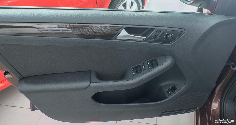 Volkswagen_Jetta (28).jpg