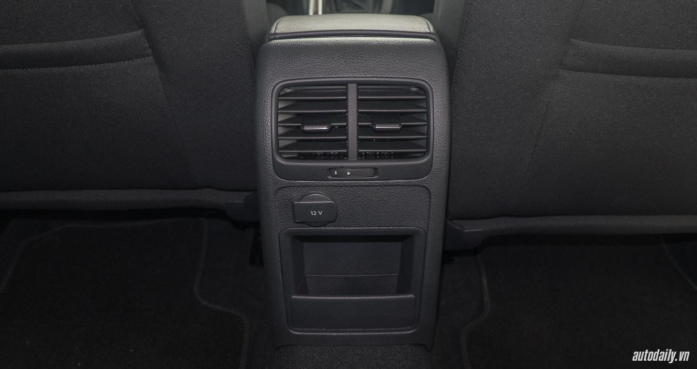 Volkswagen_Jetta (7).jpg