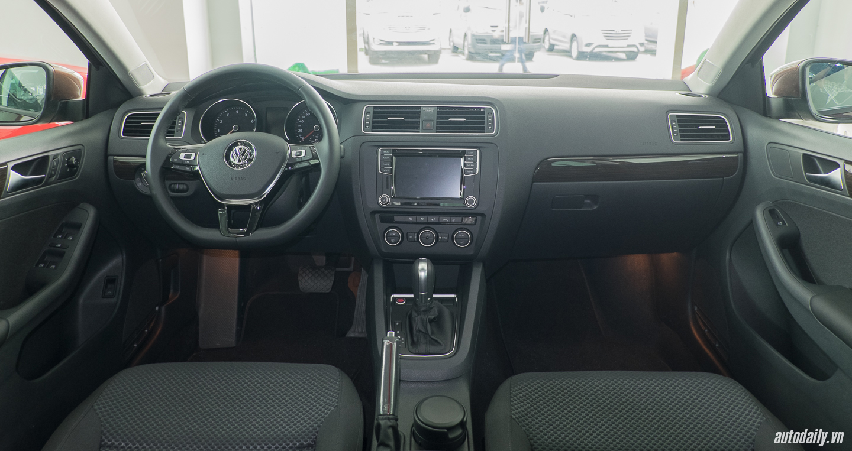 Volkswagen_Jetta (8).jpg