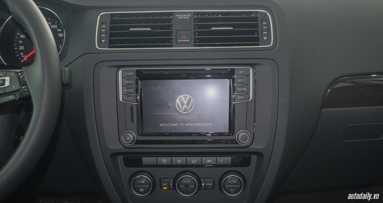 Volkswagen_Jetta (9).jpg