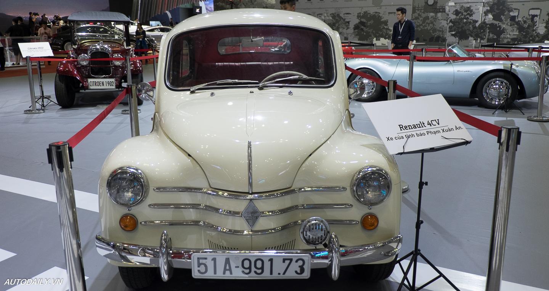 Renault_4CV (1).jpg