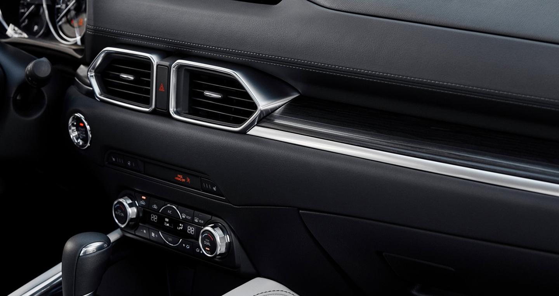 Đánh giá xe Mazda CX-5 2017 từ ngoại thất, nội thất cho đến những trang bị an toàn 9