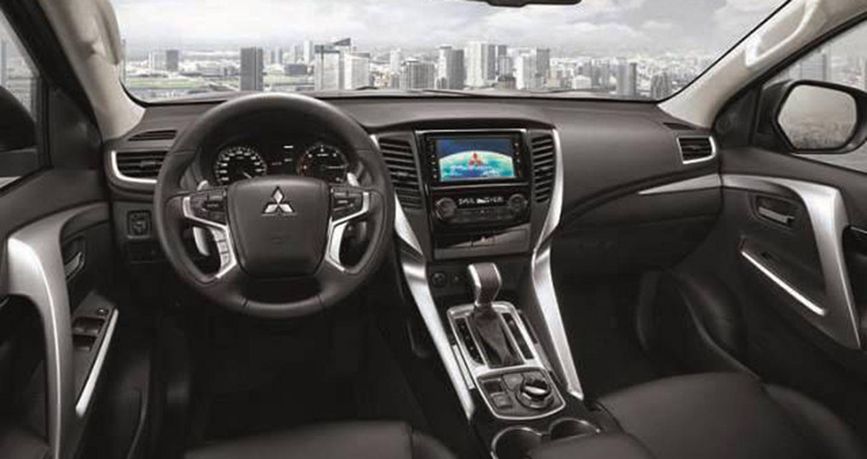 Mitsubishi Triton Xe bán tải Mitsubishi Triton thêm tùy chọn động cơ mitsubishi triton 2017 interior