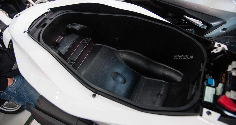 Yamaha NVX 155 đã có mắt tại đại lý và bắt đầu bàn giao xe cho khách 4