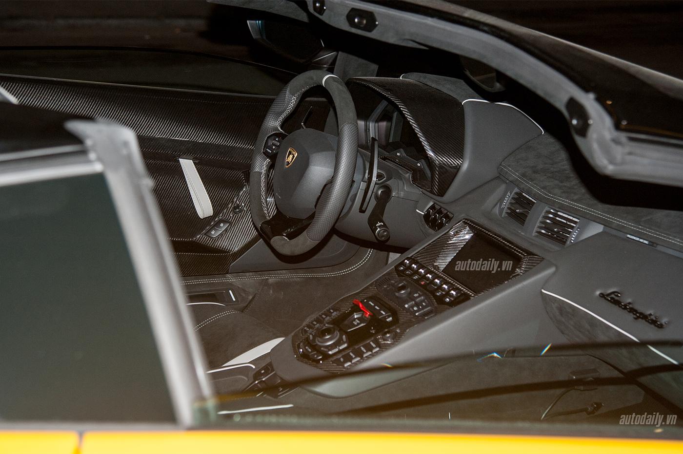 aventador-roadster-autodaily-14.jpg