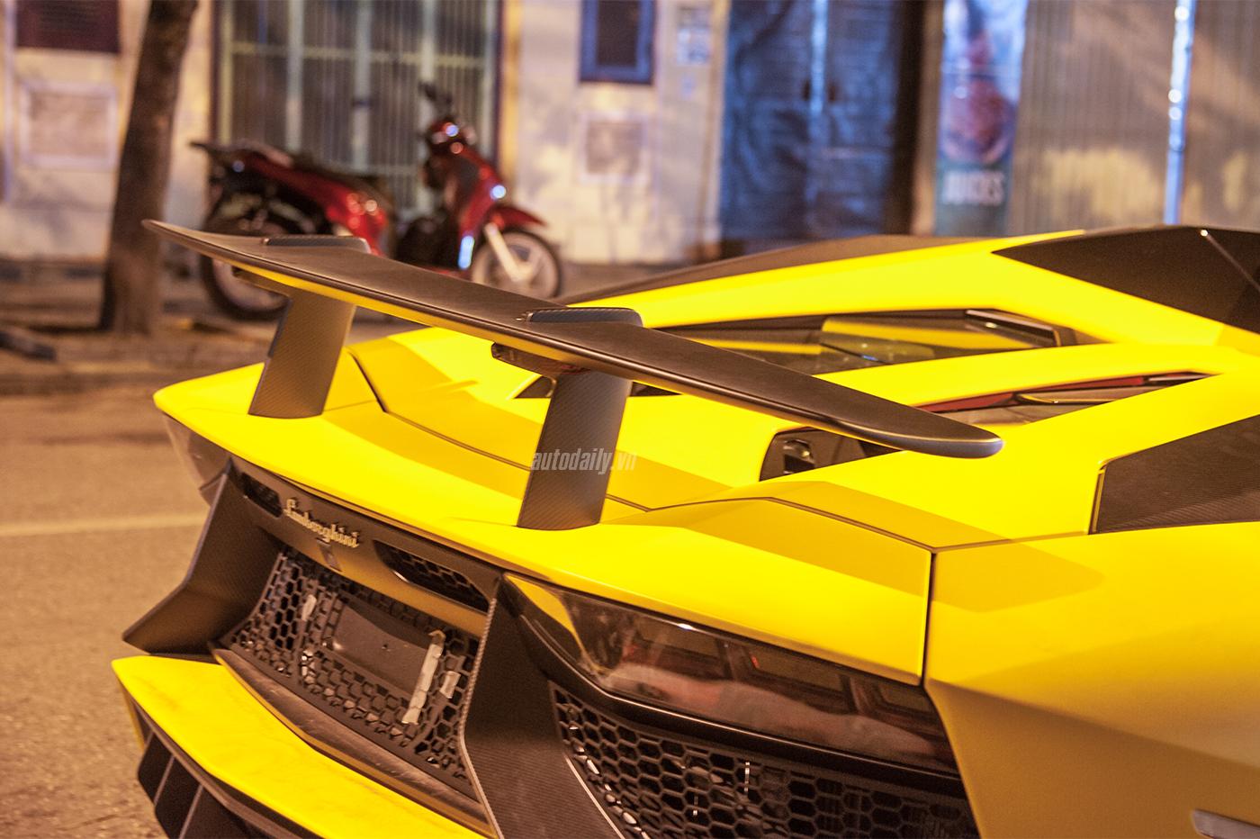 aventador-roadster-autodaily-15.jpg