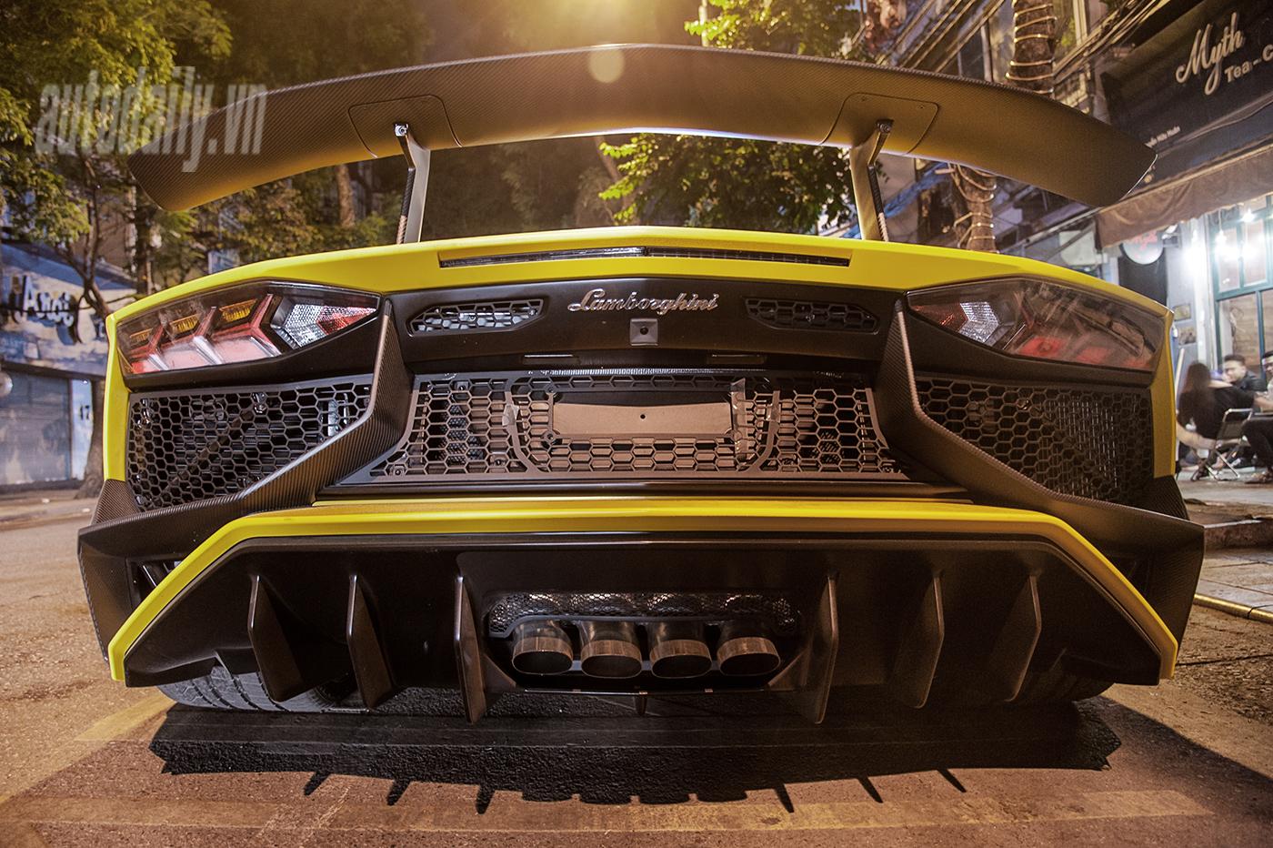 aventador-roadster-autodaily-16.jpg