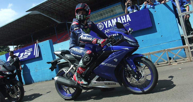 yamaha-r15-v30-racing-blue-side.jpg
