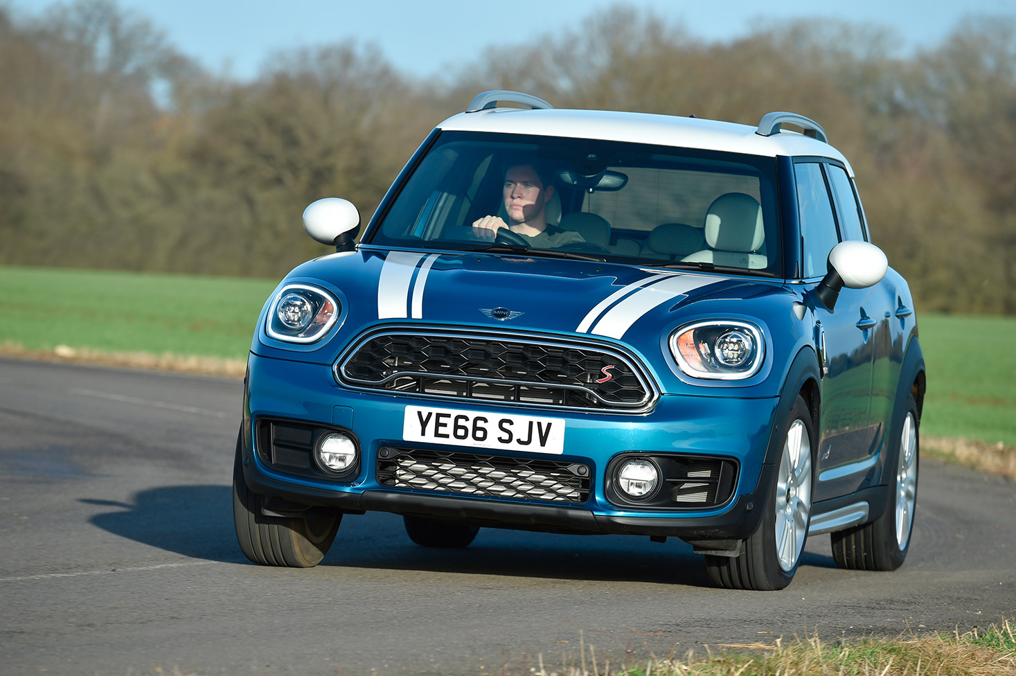 mini-countryman-212.jpg