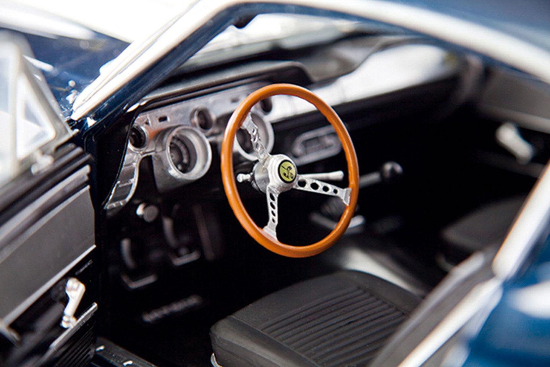 mustang-shelby-steering-wheel-copy.jpg