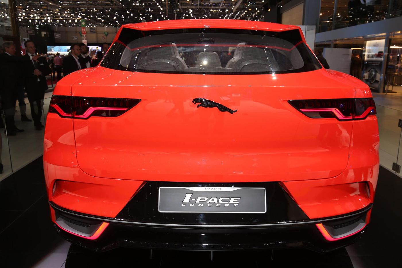 jaguar-i-pace-concept-14.jpg