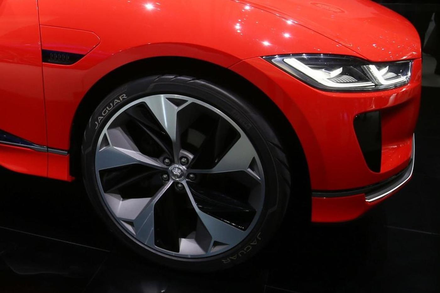 jaguar-i-pace-concept-16.jpg