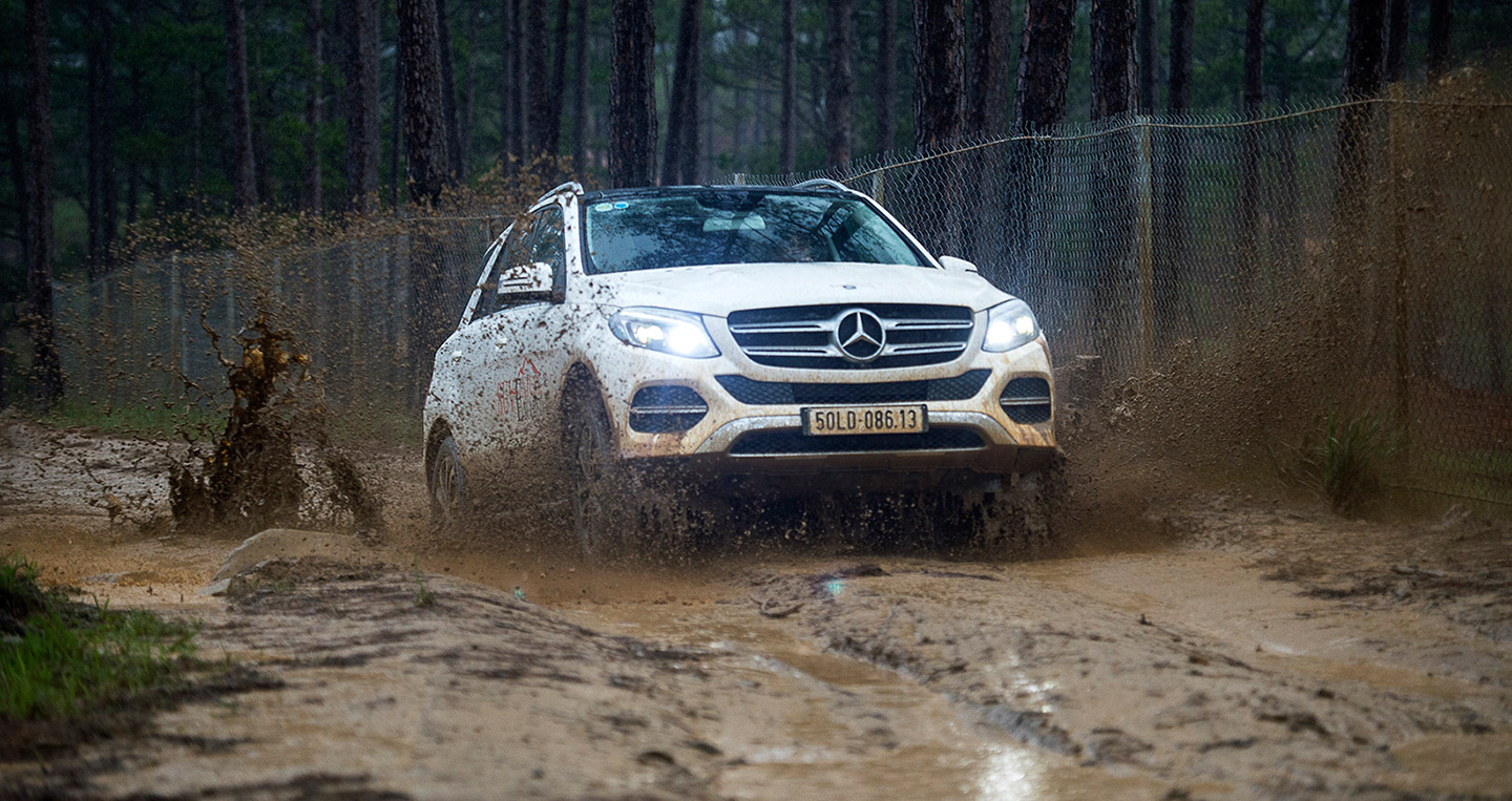 mercedes-suventure-exclusive-3.jpg