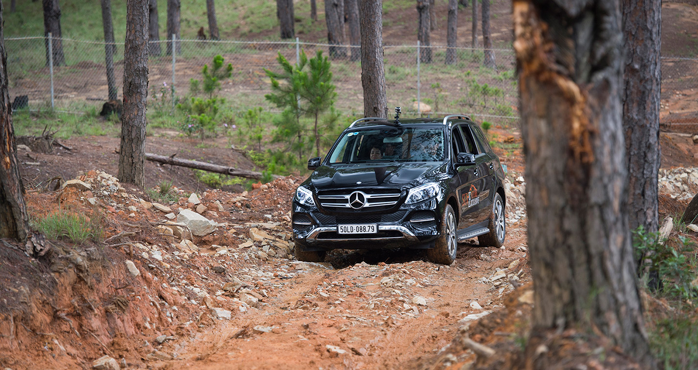 mercedes-suventure-exclusive-7.jpg