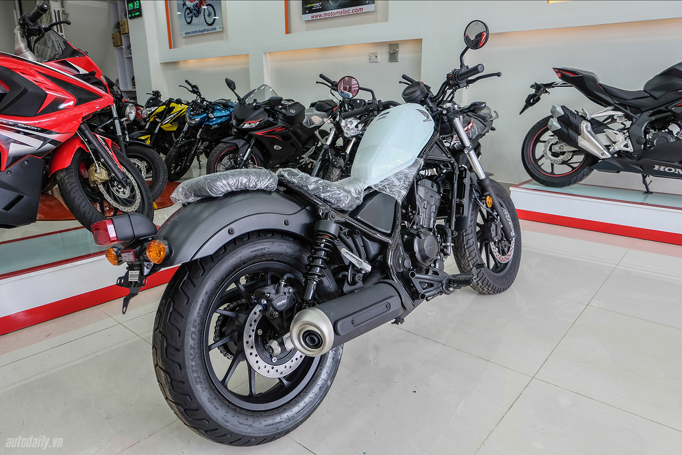 honda-rebel-300-abs-2017-10.jpg