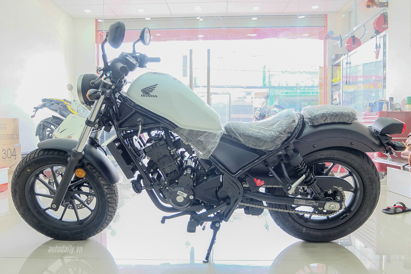 honda-rebel-300-abs-2017-17.jpg