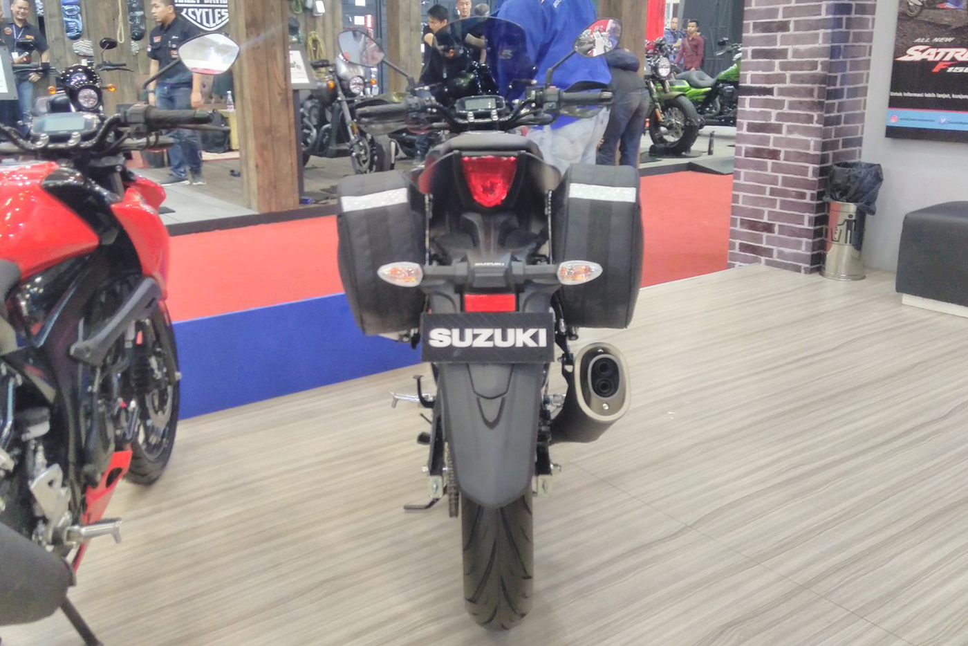 suzuki-gsx-s150-touring-edition-6.jpg