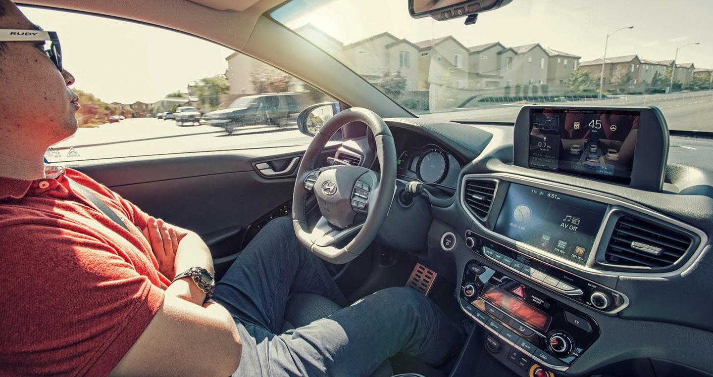 autonomous-car-survey-1.jpg