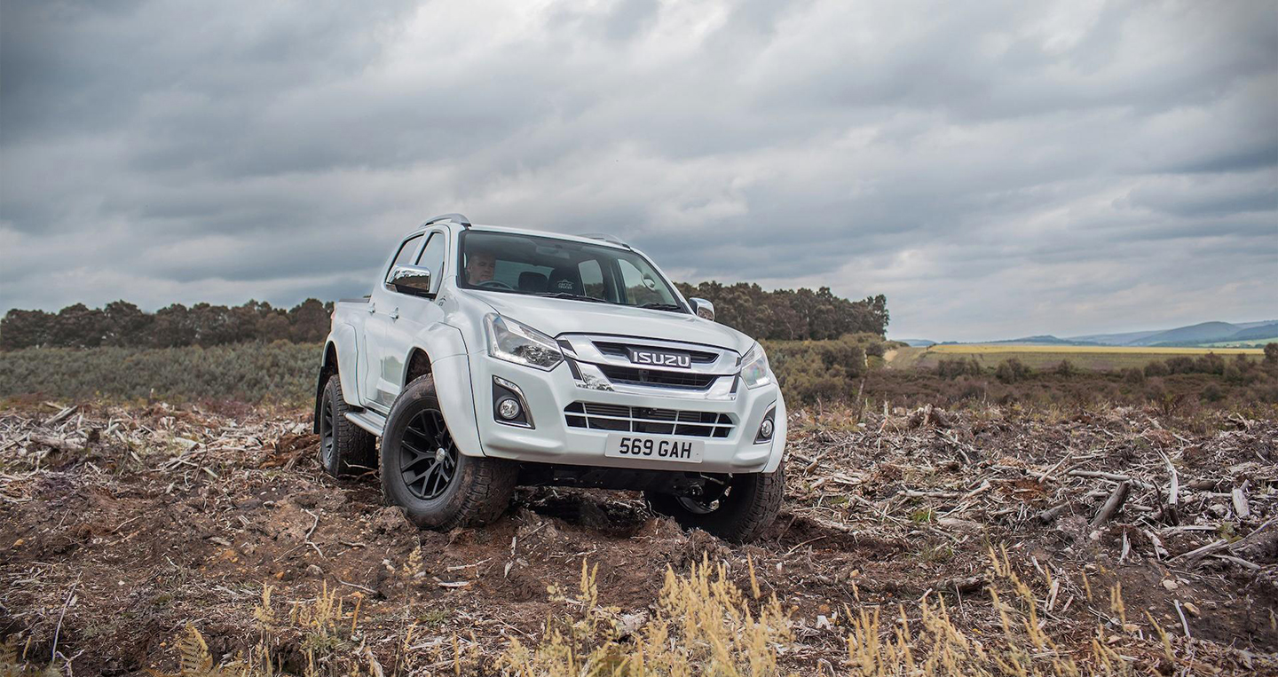 isuzu-d-max-artic-truck-at35-9.jpg