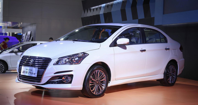 Suzuki Ciaz bản nâng cấp chính thức lộ diện
