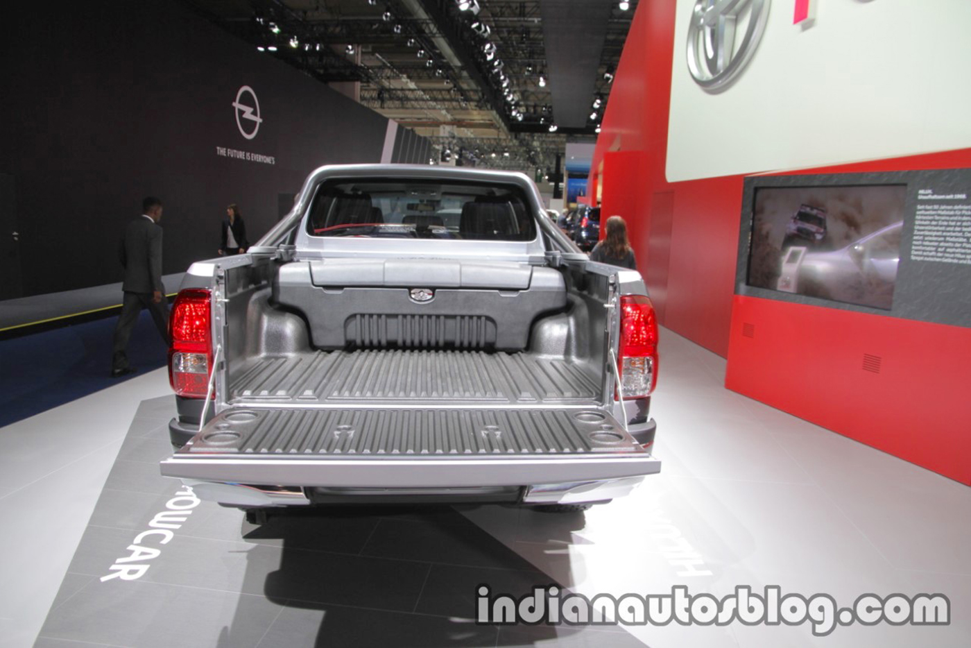 toyota-hilux-invincible-50-rear-at-iaa-2017.jpg