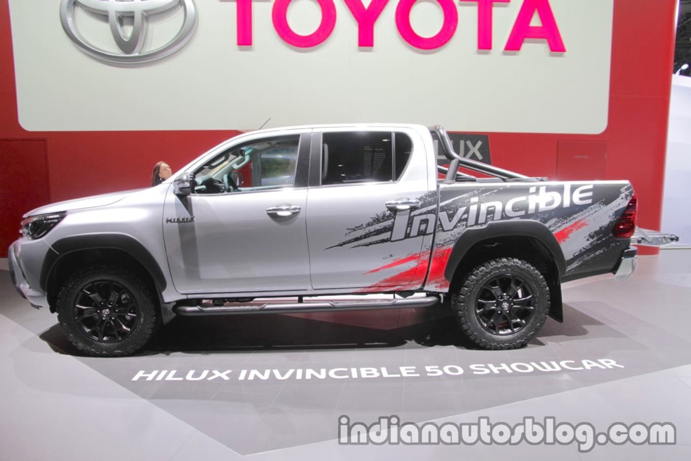 toyota-hilux-invincible-50-side-at-iaa-2017.jpg