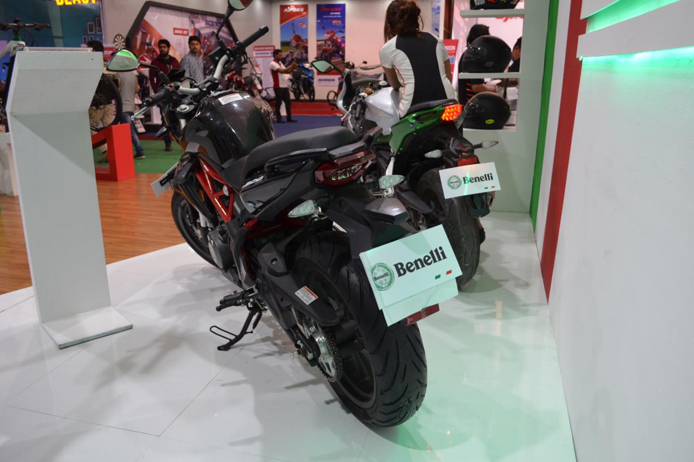 benelli-tnt-300-abs-2017-2.jpg