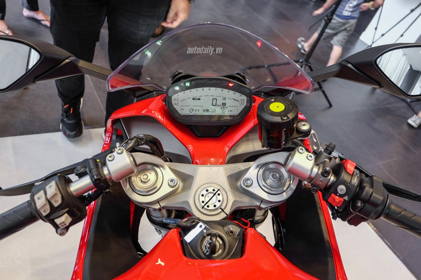 ducati-supersport-22.jpg