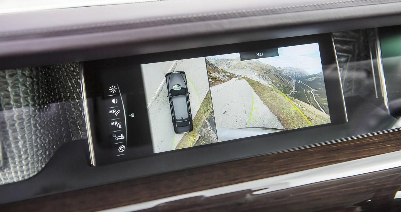 2018-rolls-royce-phantom-first-drive-15.jpg
