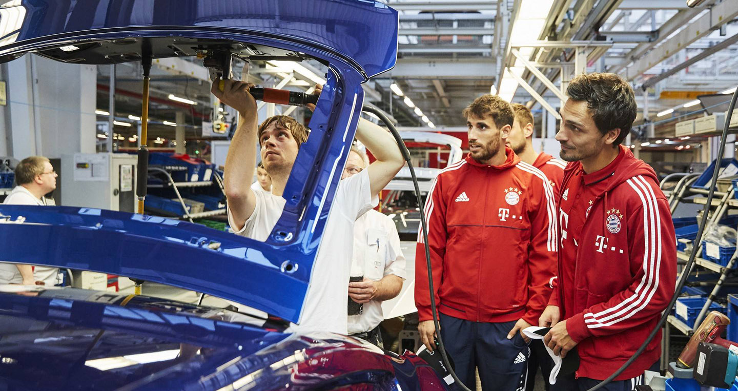 bayern-munchen-players-receive-their-new-audi-models-4.jpg
