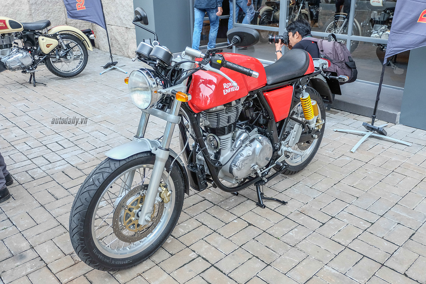 royal-enfield-12.jpg