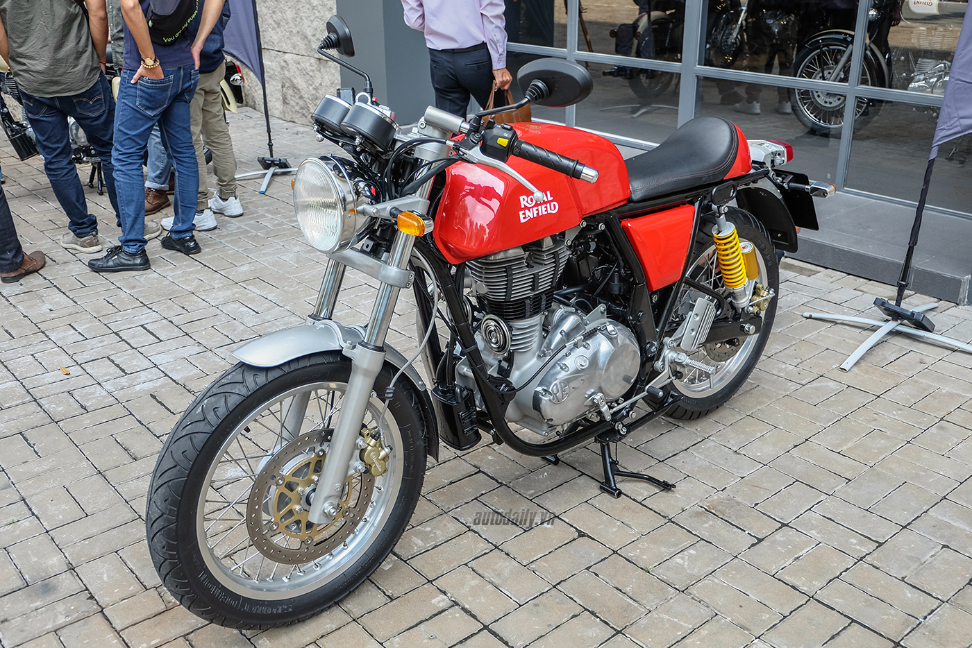 royal-enfield-continental-gt-1.jpg