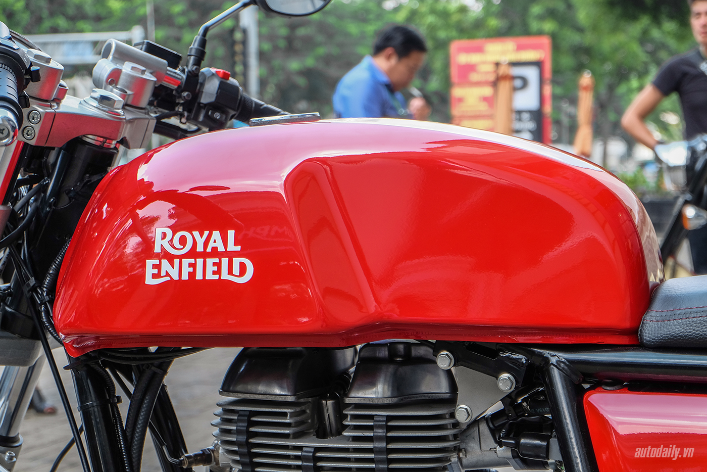 royal-enfield-continental-gt-10.jpg