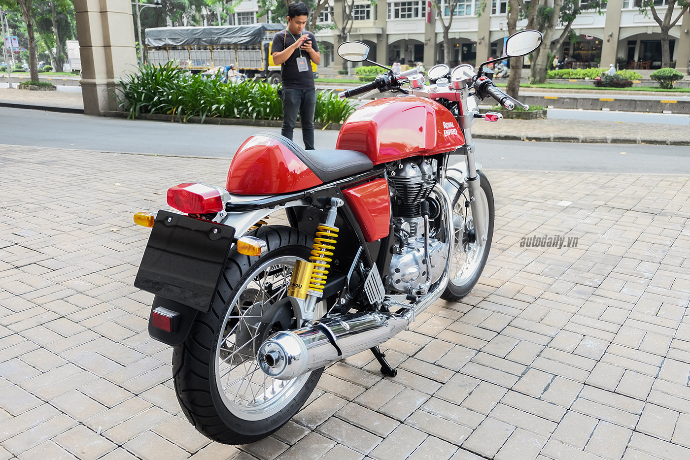 royal-enfield-continental-gt-25.jpg