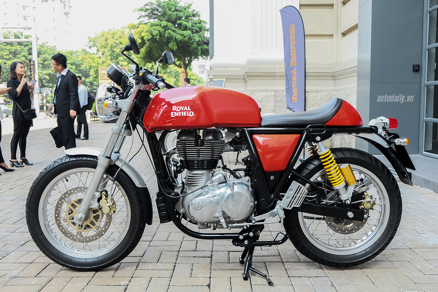 royal-enfield-continental-gt-5.jpg