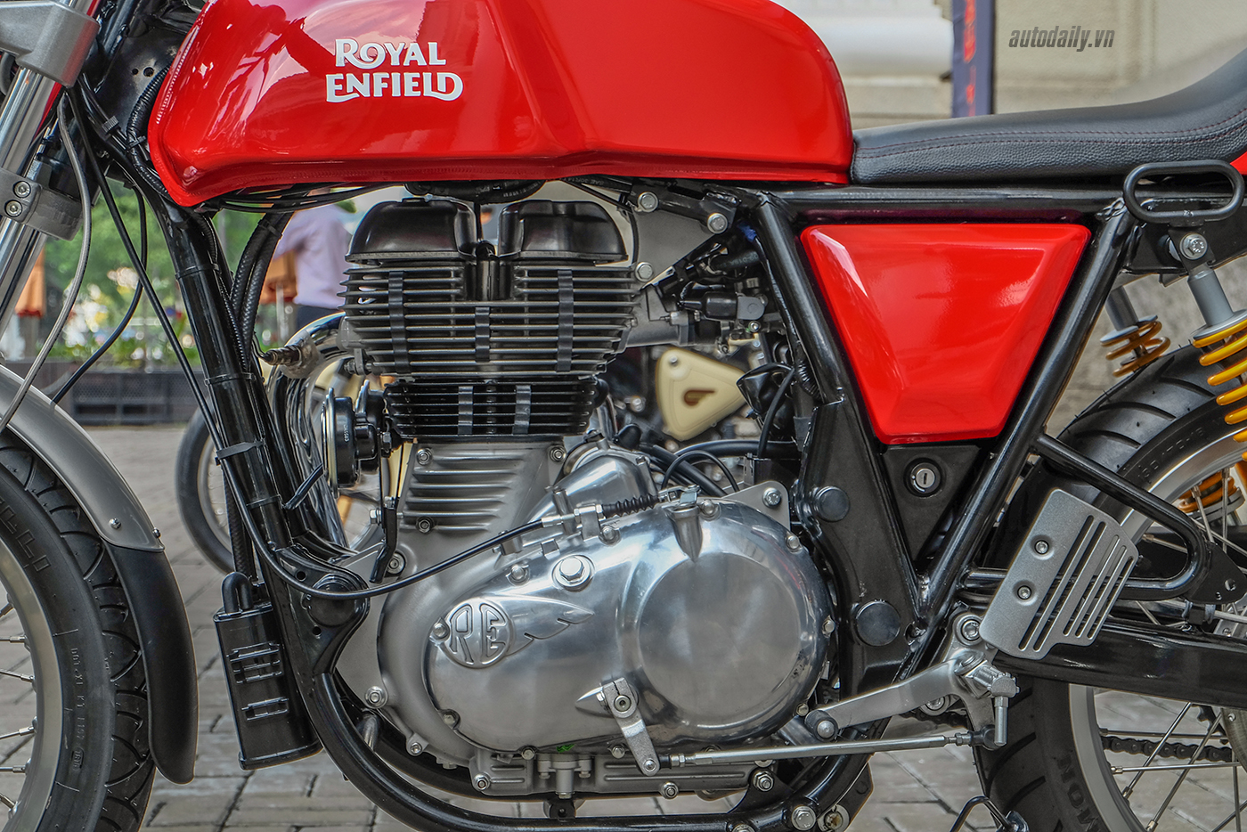royal-enfield-continental-gt-7.jpg
